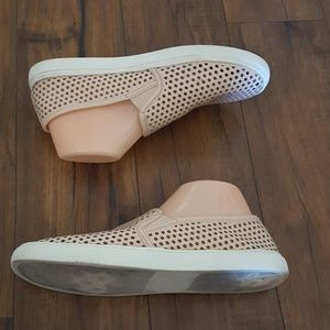 Juicy Couture - Blush Perforated Slip-On Sneakers